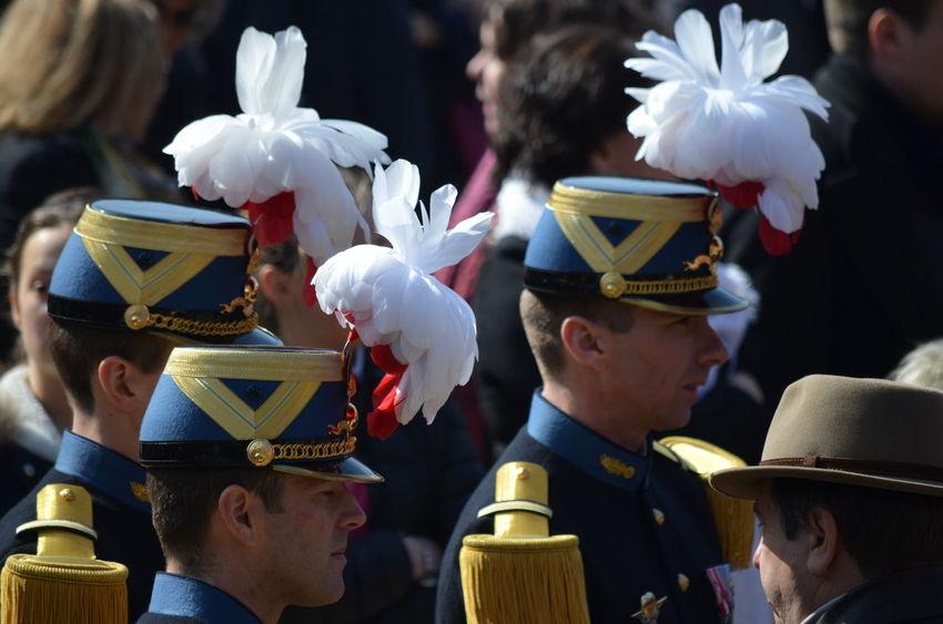 Ambiance Saint-Cyrienne à l'occasion de la cérémonie du retour de l'anneau de Jeanne d'Arc au Puy du Fou le dimanche 20 mars 2016. Shako Casoar Chapeau Costume Couvre Chef Mirliton Plume Pschhhhh Saintcyr Schako Uniforme Epoque