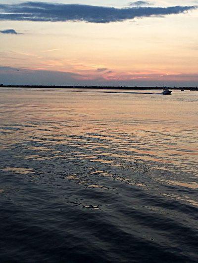 Sunset #sun #clouds #skylovers #sky #nature #beautifulinnature #naturalbeauty #photography #landscape Nikonlove Visualmagic Sunset Lovers