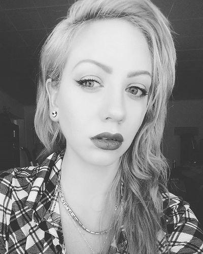 💋💄🍷Wingedliner Vampylips LipstickInWine Makeup Autumnalmakeup Redlipstick Longwing Softcutcrease Blackandwhite