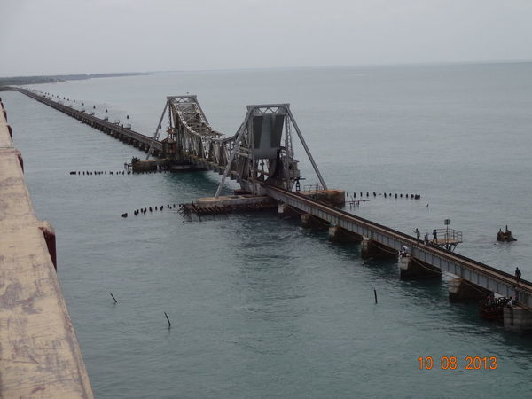 bridges connecting islands two bridges connecting two islands train bridge road bridge public utility longest train bridge longest bridge connecting islands Rameswaram Architecture Architecture_collection Brick Wall Island Bridge Man Made Object Man Made Structure Man Made Wonders Sea Bridge Train Bridge Twin Bridges