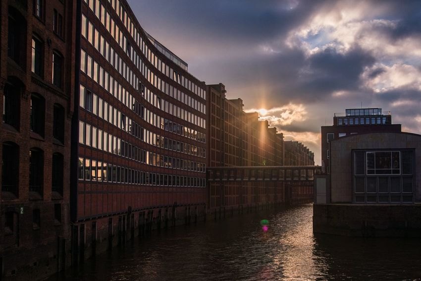 Urban Spring Fever Showcase April Speicherstadt in Hamburg Check This Out Streetphoto_color Hamburg Dramatic Lighting Sunset Sun Spring Germany Travel Photography