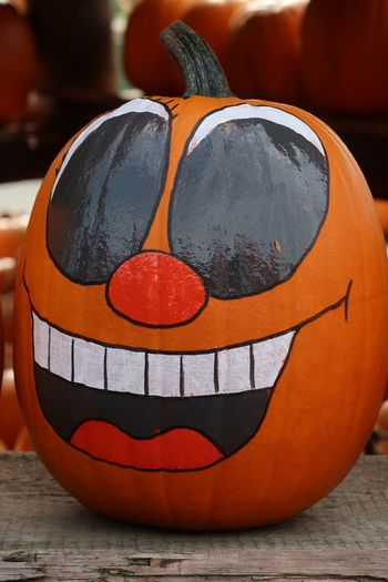Kürbis Pumpkin Halloween Art And Craft Representation Creativity Close-up No People Craft Human Representation Orange Color Day Focus On Foreground Celebration Anthropomorphic Face Still Life Halloween Pumpkin Outdoors Face Table