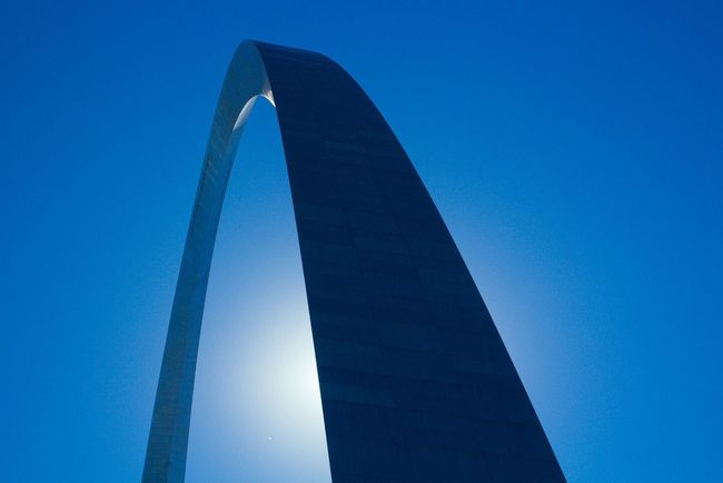 Gateway Arch in St. Louis, Missouri (USA), the famous landmark of the STL skyline. You can take an elevator all the way to the top, providing great views of the city, a nice experience! Gatewayarch Stlouis Landmark
