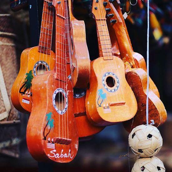 Guitar for kiddies Gaya Street - Kota Kinabalu , Sabah Gayastreet Kotakinabalu Sabah Negeribawahbayu Tourism Malaysia Reflexsology Market Pasar Vscomalaysia Vscography VSCO