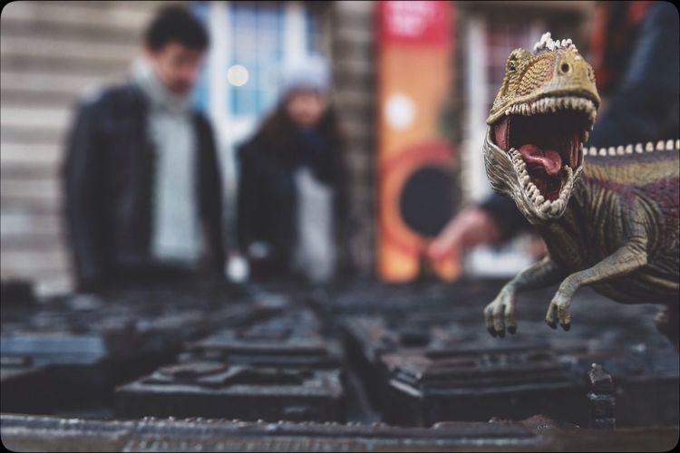 <<jurassic photobombing>> Hamburg Rathausmarkt City Snapshot Dinosaur Toys Photobomb Tadaa Community EyeEm Best Shots Monday Madness und jetzt erstmal 2 liter kaffee direkt in die halsschlagader...