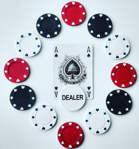 Poker Pokerchips Cards Dealer Tvc_trooper Top10minimal Minimal_mood Minimal_hub Paradiseofminimal 9Minimal7 Mnm_gram Pocket_minimal Ptk_minimal Tv_simplicity Minimalexperience Soulminimalist Minimalint Tv_typography Fyp_wbg