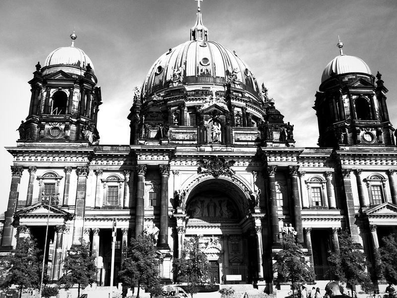 Berliner Dom Architecture Dome Cathedral Famous Place History Travel Destinations Black & White Black And White Photography Black And White No Filter Fresh On Eyeem  Berlin Berlin Photography Berlin Mitte Eyeem Photography Museumsinsel Museumsinsel Berlin EyeEm Best Shots EyeEm Best Shots - Architecture EyeEm Gallery Eyeemphotography Eye4photography