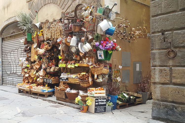 storia! Florence Italy Florence Bottega Handmade Historical Shop Colors Shop On The Corner Things Unusual Something Different Italian Shop Italian Food Italian Style Chianti Italy Supermarket Market Store Retail  Business Stack Variation Multi Colored Consumerism For Sale Souvenir Shop Street Market Farmer Market Bazaar