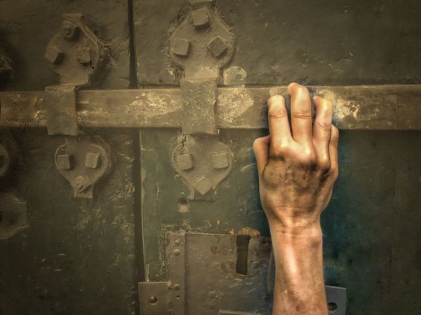Migrantes Gate Europe Refugeeswelcome Refugee Refugees Migrants Migrantes Human Hand One Person Hand Human Body Part Real People Metal Wall - Building Feature Body Part Architecture Personal Perspective Communication Finger