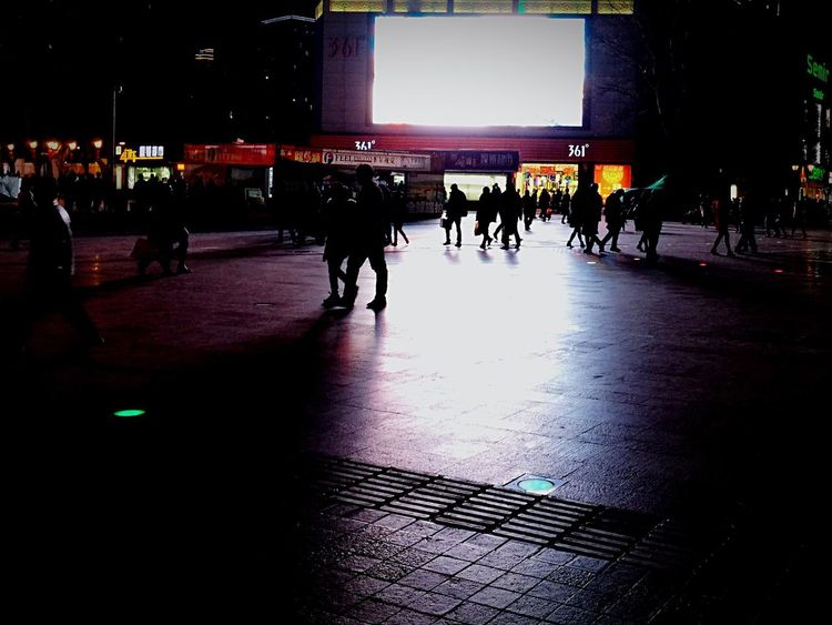 We were shopping. Good Mood New Perspective Of Life  Showcase: January EyeEm Best Shots First Eyeem Photo Relaxing Light And Shadow Enjoying Life Night Lights Night Photography Night View People Walking Walkingpeople Relaxing Quiet Quiet Moments Lots Of People Ipone IPone 6 Plus