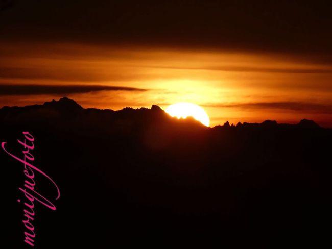 mein Ausblick heute Morgen vom Frühstückstisch aus gesehen. 💕💗 Monique52 Sonnenaufgang Hochrhein Fernsicht Alpenpanorama Südschwarzwald Beauty In Nature Cloud - Sky