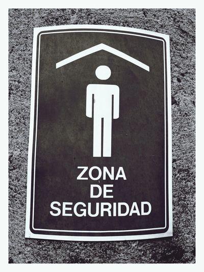 Hay que salir de la Zona De Seguridad ... by Popckorn