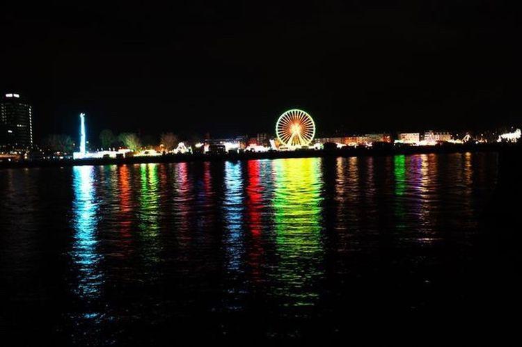 Jahrmarkt Night Reflection Illuminated Neon Lights Water Reflections Cityscape Outdoors Ferris Wheel Canonwork Kunstausdruck In Art We Trust
