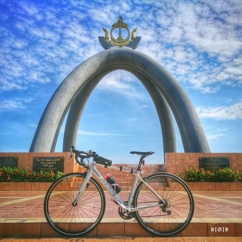 Pit Stop Brunei Darussalam EyeEm Soloride Giantrb Huaweiphotography HuaweiP9 Millionth Barrel Monument Bicycle Cloud - Sky Sky Statue Sculpture Architecture Outdoors Day Built Structure No People Travel Destinations