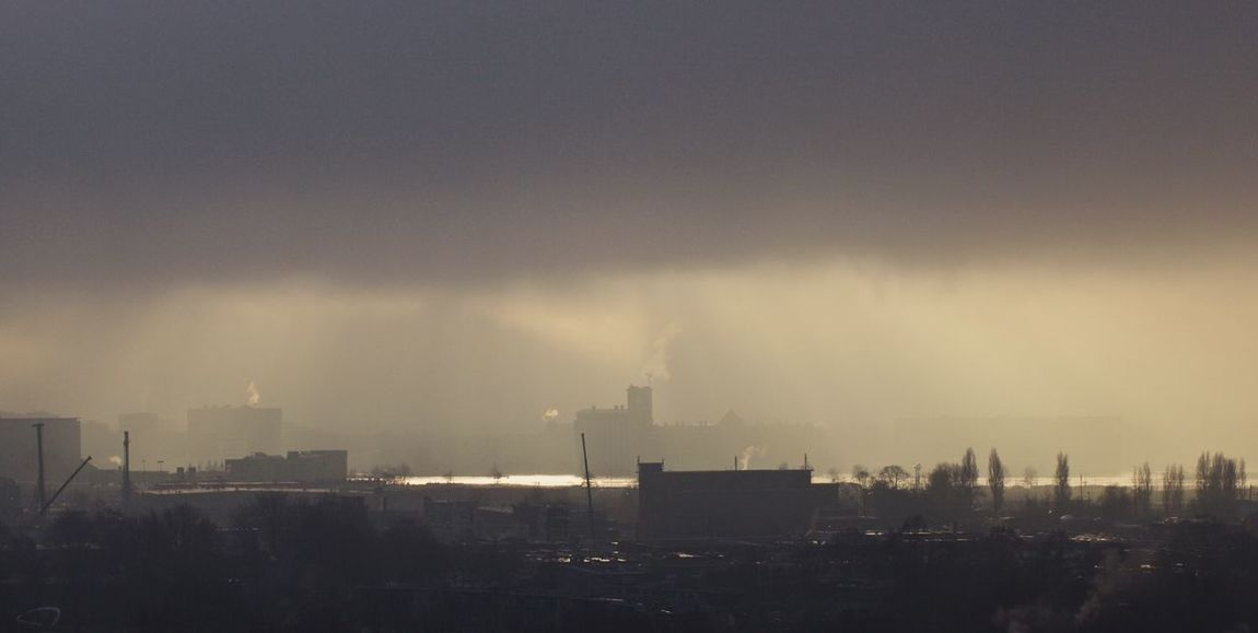 This is how beautiful Amsterdam was yesterday when the fog slowly disappeared. Amsterdam Fog Enjoying The View Check This Out Balcony View River View Sun And Clouds EyeEm Best Shots Amazing View