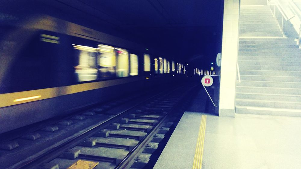 Trains, speed, movement, contrast