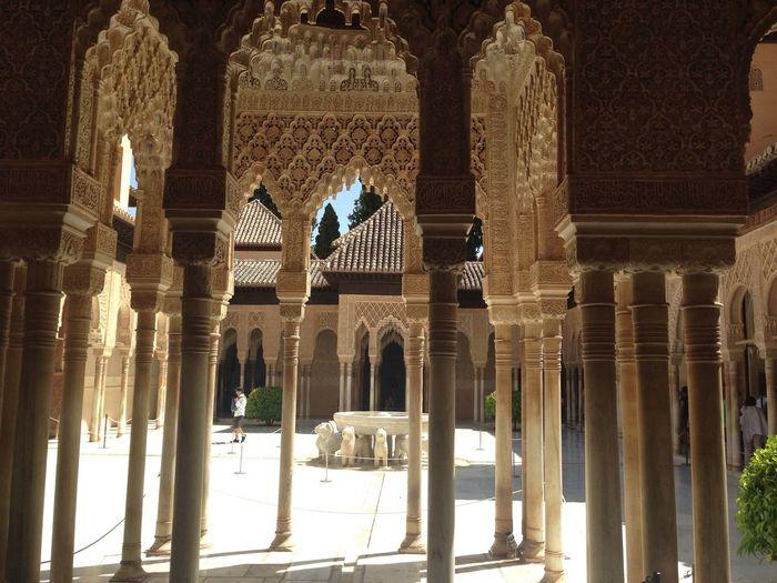 Granada Architecture 124 pillars