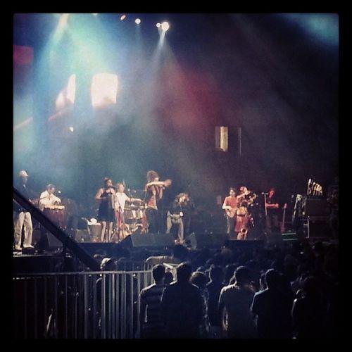 Manu da banda en el inicio del Fiis2013 !! Con mi amiga linda @zafiromaju