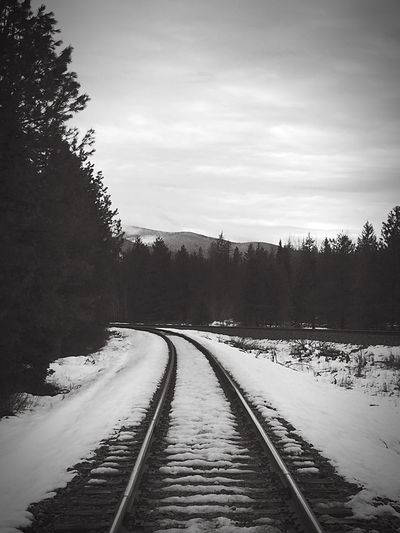 Railroad Track Railroad Tracks Eye4photography  IPhoneography Iphonephotography EyeEm Bnw B&W Portrait Blackandwhite Portrait Winter Peace And Quiet Winter Landscape Eyeforblackandwhite Mountain View Iphone6plus
