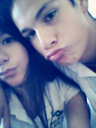 Blowin Kisses In The School With My Boy I Love Him.♡