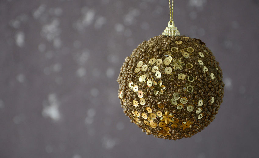 x mas Bauble Gold Colored Hanging Out Merry Xmas! Xmas Balls Xmas Decorations