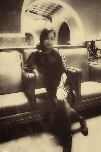 Yvonne Circa 1928 City Young Adult People Lifestyles Sitting Focus On Foreground Blackandwhitephotography Eyemphotography Fujifilm_xseries Los Ángeles LaOpera Only Women One Young Woman Only Three Quarter Length Old-fashioned Retro Styled Beautiful People Beautiful Woman Train Station