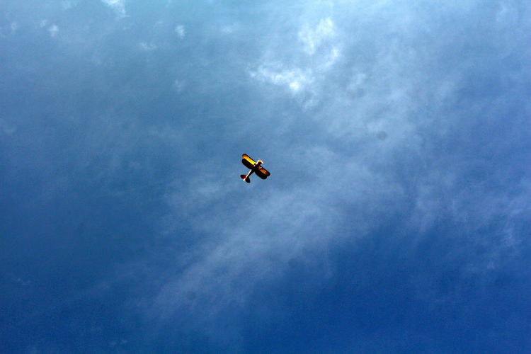 Freedom High Airplane Blue Sky Cloud - Sky Clouds Day Flying Low Angle View Nature Outdoors Sky