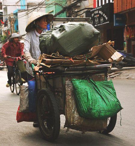 Saigon Working Women