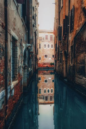 Venice City Canal No People Urban Geometry EyeEm Best Shots EyeEmNewHere EyeEm Selects Architecture Built Structure Building Exterior Building Residential District Window Water Day Old Wall Waterfront Narrow Nature Outdoors Reflection Direction Alley