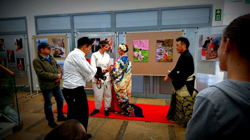 Made by Sony Xperia XZ Ataru Taiko Japanese  Japanese Wedding Swords Traditional Clothing Culture Girls Indoors  Japanese Day Katana