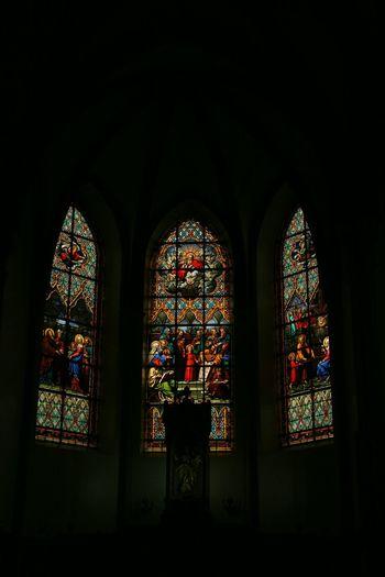 Las vidrieras de la Iglesia Nuestra Señora Madre de los Hombres, el Santuário del Caraça en Minas Gerais, Brasil. Www.soyminasgerais.weebly.com Brasil Vidrieras Iglesias Turismomg Soyminasgerais
