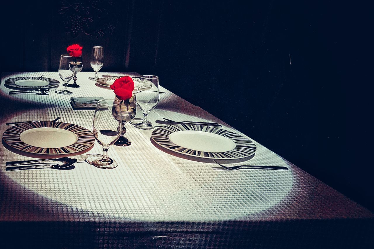 table, fork, plate, indoors, place setting, no people, wineglass, napkin, tablecloth, cutlery, dining table, food and drink, time, drinking glass, clock, close-up, day
