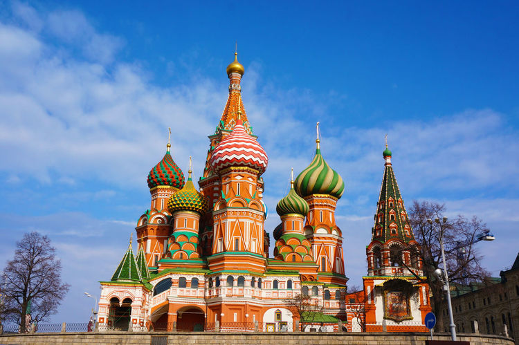 2014 Architecture Building Exterior Church Cremlin Cultures Dome Moscow Red Square Religion Russia Russia Orthodox Church Sky Spirituality St. Basil's Cathedral Собор Василия Блаженного ポクロフスキー聖堂 モスクワ ロシア 堀の生神女庇護大聖堂 聖ワシリイ大聖堂 赤の広場