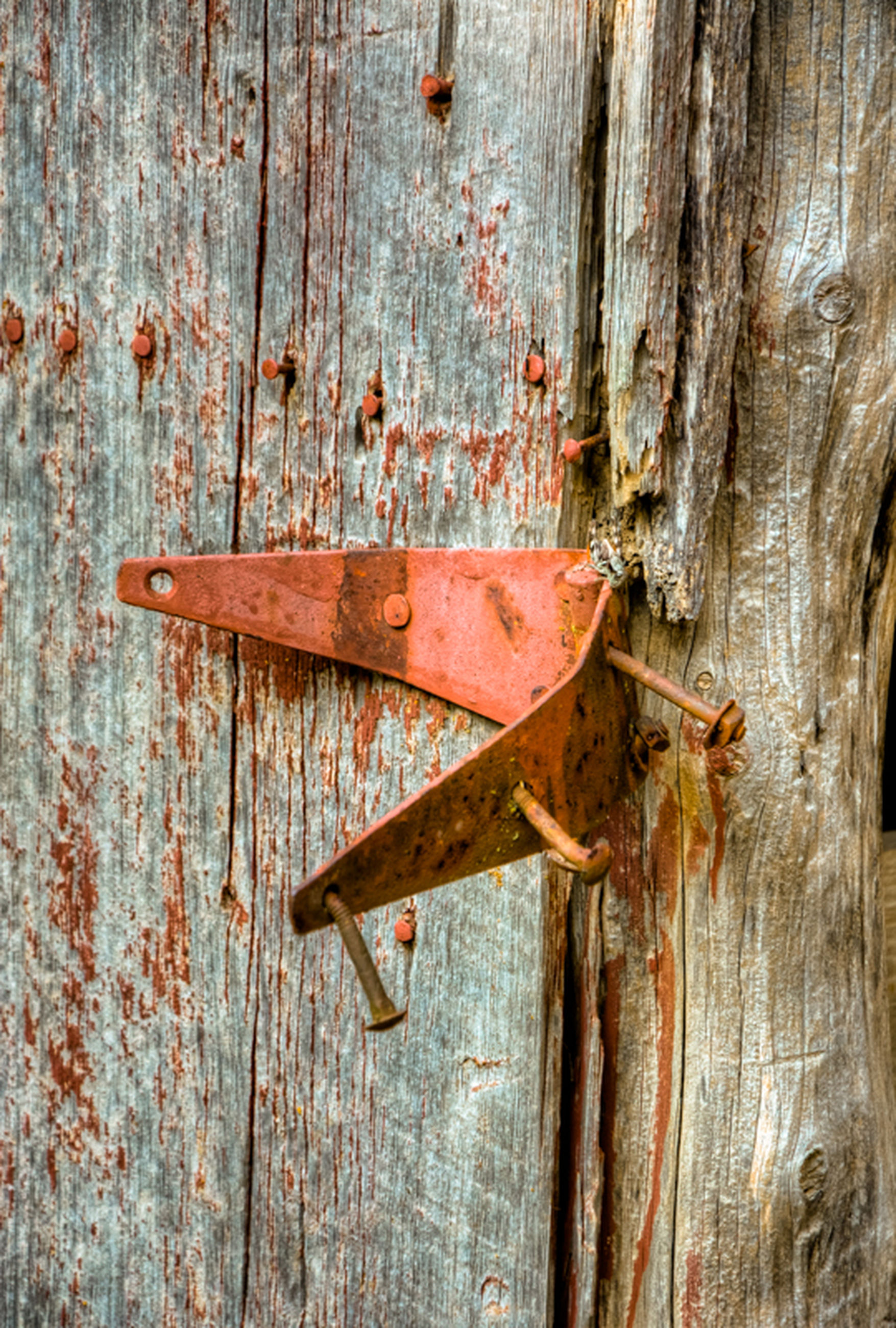 wood - material, wooden, old, weathered, abandoned, damaged, wood, deterioration, rusty, run-down, plank, obsolete, close-up, door, textured, bad condition, metal, full frame, no people, day