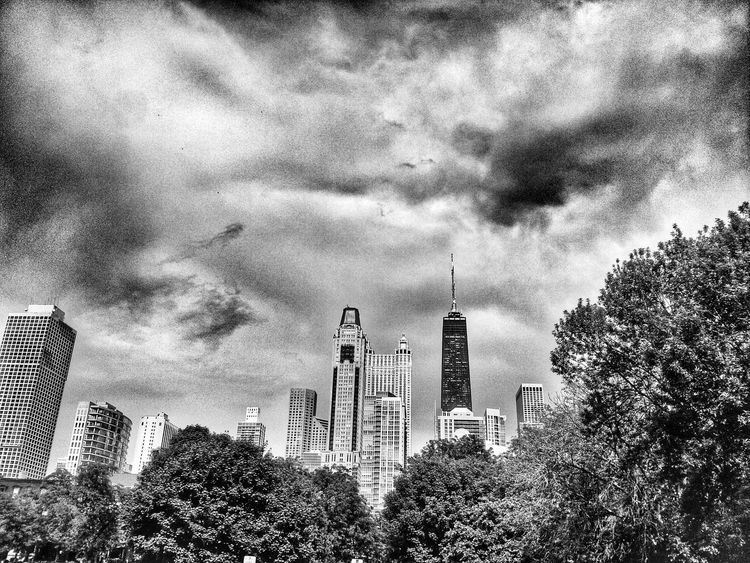 Chicago Chicago Chicago Skyline Black And White Collection  EyeEm Best Shots - Black + White Black And White NEM Black&white Eye4photography  Shootermag Black & White Taking Photos City Life City Cityscapes Chicago Architecture Chicago Illinois Chicago ♥ Blackandwhite Black&white Black And White Photography Blackandwhite Photography Clouds And Sky Sky And Clouds Buildings