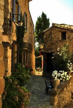 Village de Gigondas Vignoble des Cotes Du Rhone Provence