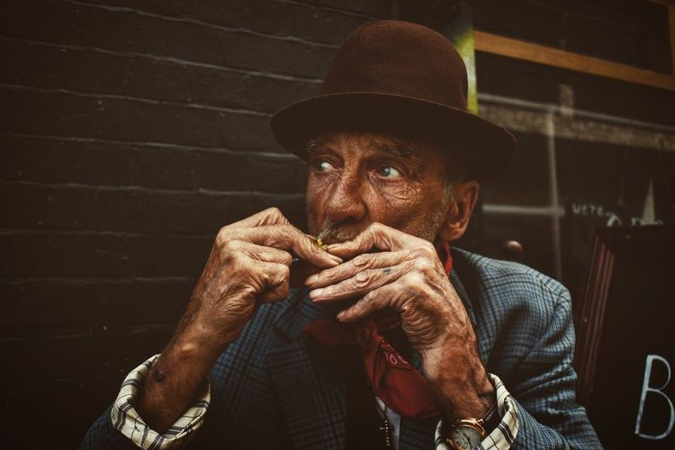 The eyes of an old man are like monitors, which reproduce endless stories... Streetphotography Oldman Vintagestyle Portrait London Life Nikon D5500 The Portraitist - 2017 EyeEm Awards The Portraitist - 2017 EyeEm Awards The Street Photographer - 2017 EyeEm Awards EyeEm LOST IN London Stories From The City