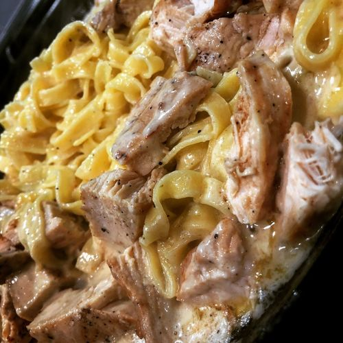 Grilled chicken Alfredo Chicken Alfredo Pasta Chicken Alfredo Alfredo Grilled Chicken Pasta Food Food And Drink Italian Food Freshness Ready-to-eat Close-up