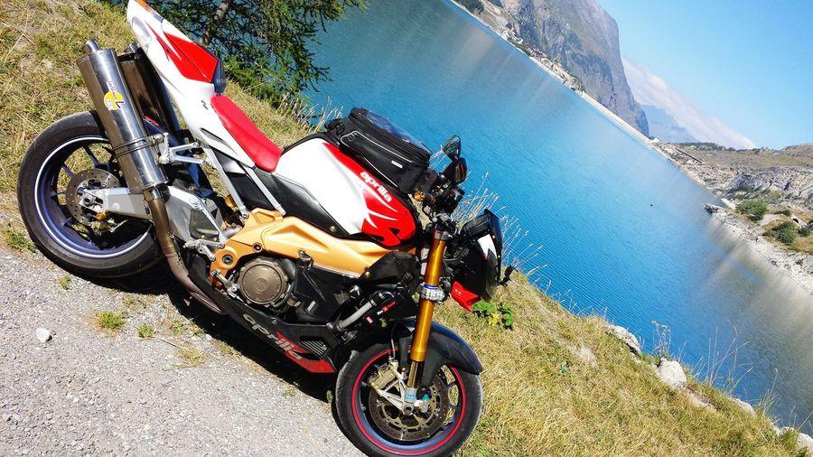 Aprilia Tuono Factory 1000 Motorbike Touring France Roadtrip Italianstyle