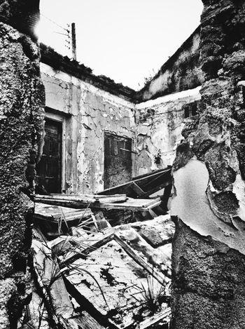 Urban Decay Crumble Pretoebranco The Press - Trash