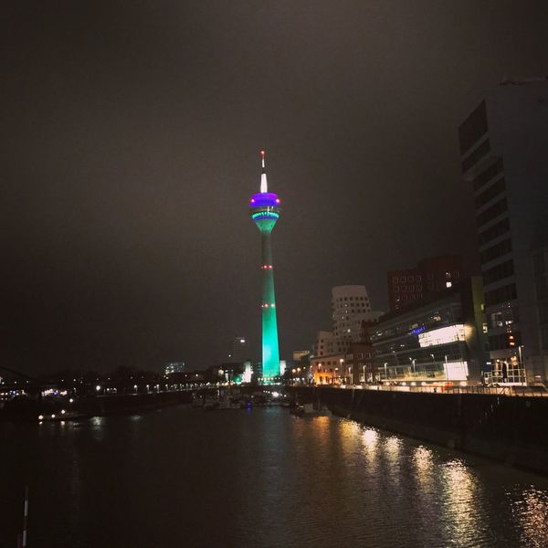 Illuminated Night Tall - High Tower Travel Destinations Architecture City Travel Building Exterior Tourism Built Structure No People Waterfront Water Skyscraper Outdoors Modern Sky Rheinturm Düsseldorf 🌟 Rheinturm  Düsseldorf-Walk Düsseldorf By Night Rheinturm In Grün Düsseldorf ♡ Düsseldorf