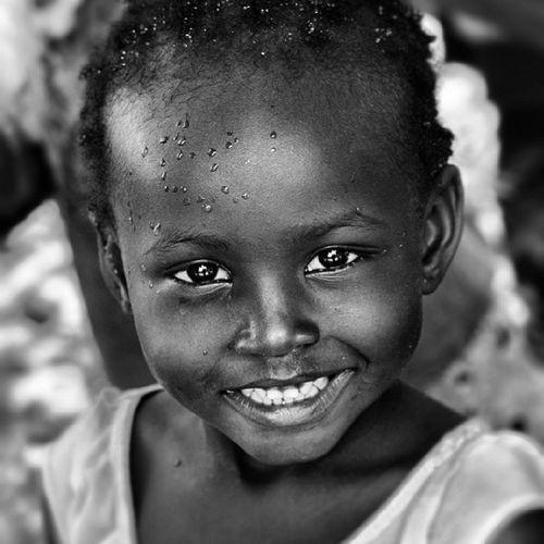 Girl Matema Tanzania Eyes Hope Smile Beautiful Cute Black White Mrembo Igerstanzania Photooftheday Nikon D5100 Cute Tia