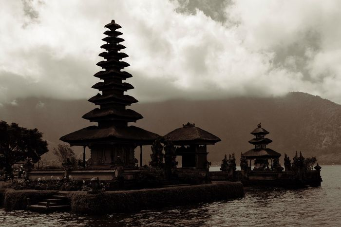 INDONESIA Indonesia_photography Traveling Travel Travel Photography Nature EyeEm Best Shots EyeEm Gallery EyeEmBestPics EyeEmbestshots EyeEm Best Edits Water Silhouette Temple