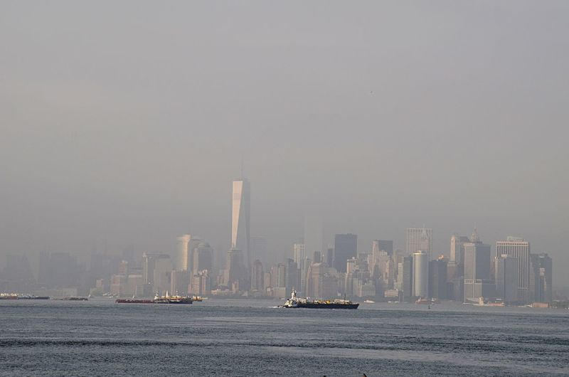 USA Manhattan NYC Skyline New York Silouette Cityscapes FAR AWAY Ships Upper Bay Staten Island