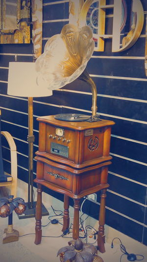 Radio Old-fashioned Antique Chair No People Postcard Indoors  Musical Instrument Day Radio Egypt Egypt Cairo Freshness Microphone Sound Of Life Musician Music TakeoverMusic TakeoverMusic