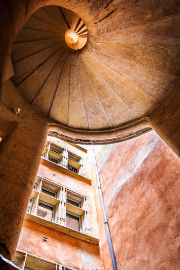 700D EOS EOS700D France Lyon Traboules Architectural Feature Architecture Canon Canonphotography Color Europe Indoors  Low Angle View No People Old Oldtown Staircase Traboule Travel Destinations
