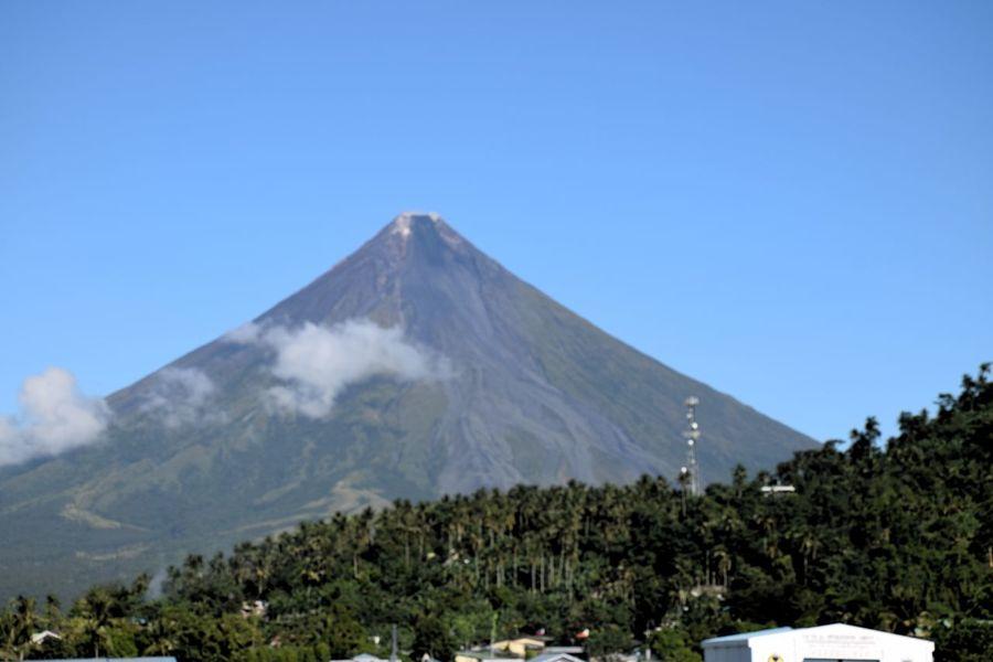 Albay Itsmorefuninthephilippines Majestic Mayon Volcano Philippines Perfect Cone Philippines