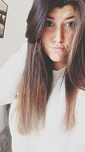 Girl Brune White Faces Of EyeEm Pensive ... 🔫🔫😌❤️