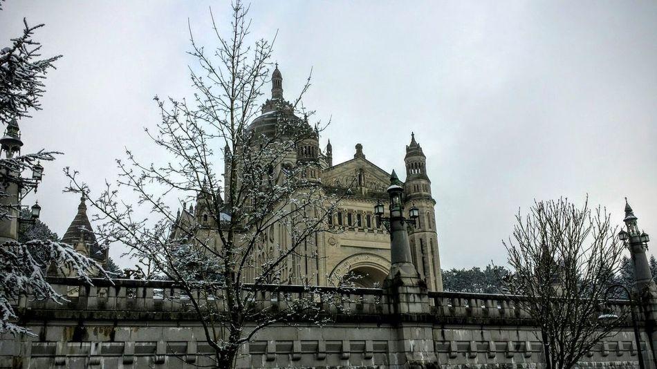 Basilique de Lisieux . Architecture Basilique Cathedral Church Famous Place Historic Outdoors Religion Spirituality