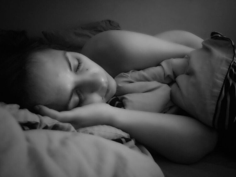 Sleeping Sleep Girl Woman Sleeping Beauty Sleeping Girl Dreaming Bnw Black And White Photography Portrait Of A Woman Portrait Sensual_woman Sensuality Photo Mobilephotography